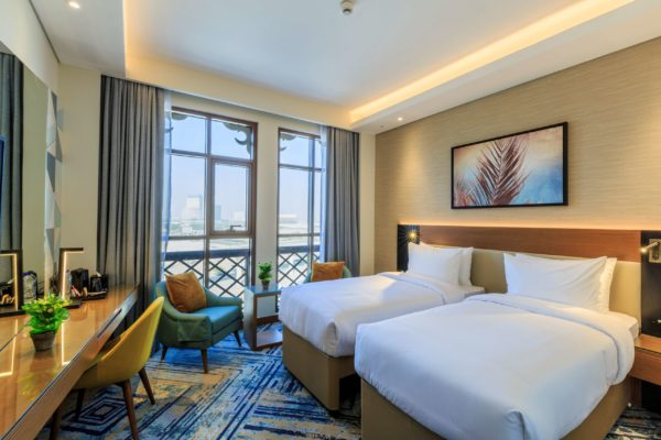 Executive Twin Room with Canal View